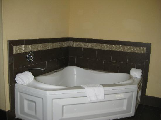 Hampton Inn Glenwood Springs: Whirlpool Tub