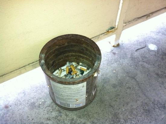 Marco Polo Motel: 20-year-old coffee can for smokers right outside the door.  Convenient!