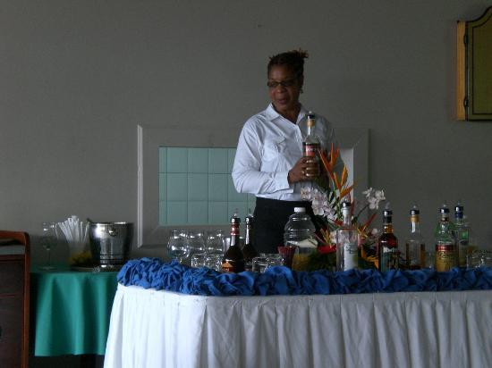 Bel Jou Hotel: Annette, the super cocktail maker