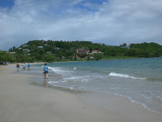 Bel Jou Hotel: Local beach
