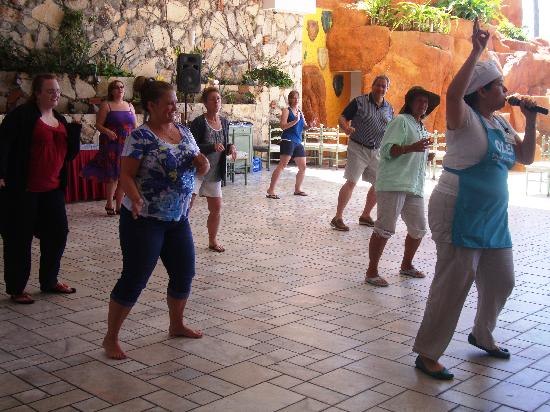Salsa Mazatlán: Learn how to dance Salsa in 4 easy steps