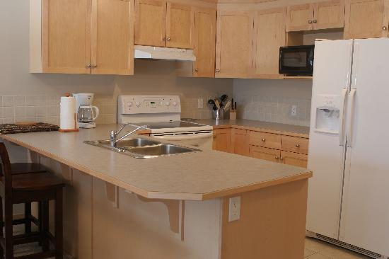 Canmore Crossing: Full Kitchens