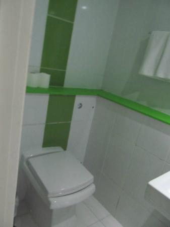Doccia grande un metro per 1 2 metro bagno senza finestre - Bagno in un metro quadro ...