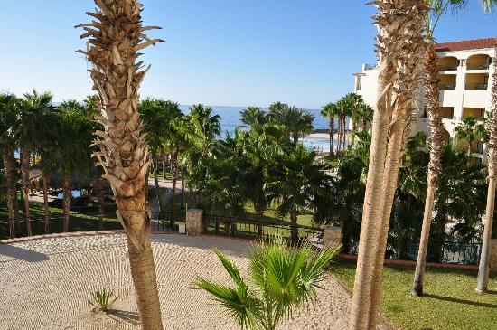 Hilton Los Cabos Beach & Golf Resort: View right from room 3005