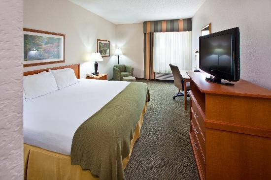 Holiday Inn Express Pella - King