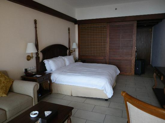 Timton International Hotel: Chambre spacieuse