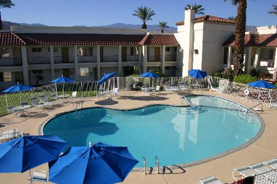 Sands of Indian Wells: Pool and Grounds 2