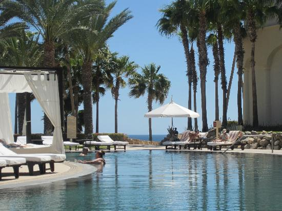 Hilton Los Cabos Beach & Golf Resort: One of the smaller pools