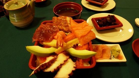 Sushi Yamato: ちらし寿司とすまし汁