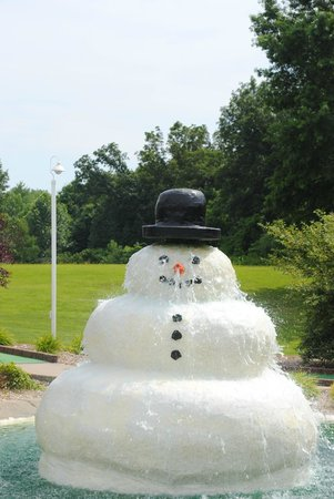 Santa Claus, IN: Melting Snowman!