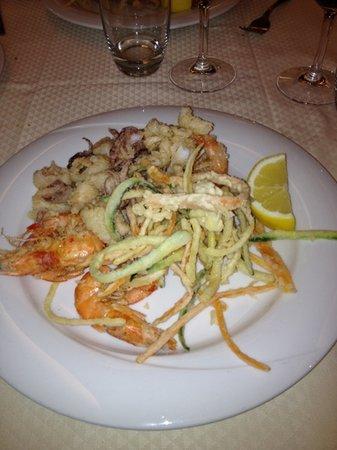 Trattoria Pizzeria del Buontempone: Frittura di pesce e verdure: ottima!