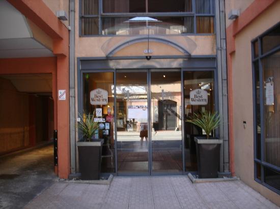 BEST WESTERN Hotel Athenee: Entrance