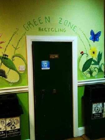 Four Courts Hostel : the green zone at the hostel