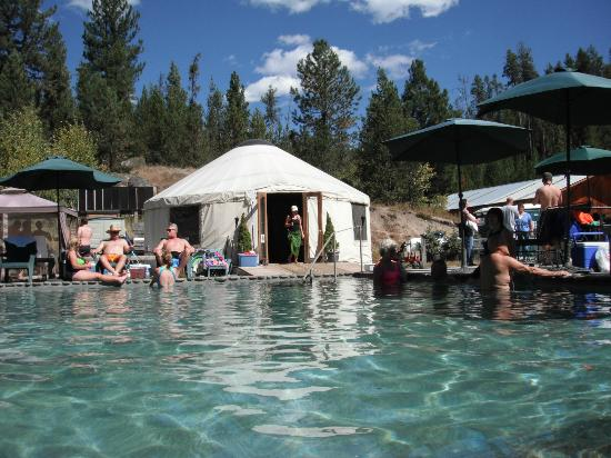 Gold Fork Hot Springs: largest pool & changing rooms