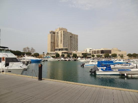 InterContinental Abu Dhabi: Außenaufnahme vom Hafen/Strand