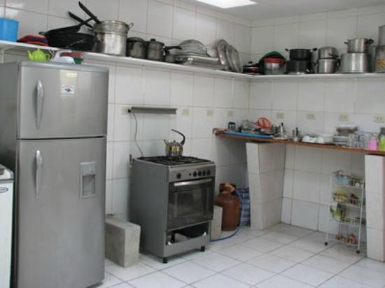 Green Track Hostel : This is a hostel kitchen?