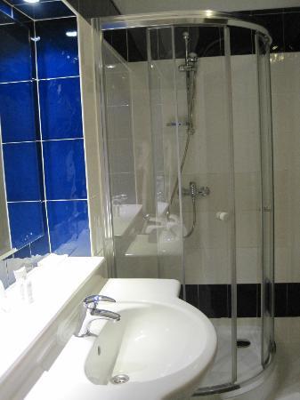 Hotel Golebiewski: Bathroom