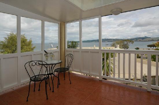 Baycrest Lodge: Balcony Views