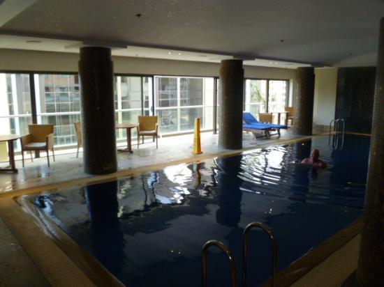 โรงแรมอโมร่า แจมิสัน: pool