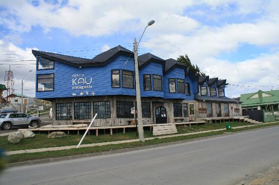 Kau Patagonia: Vista desde la calle