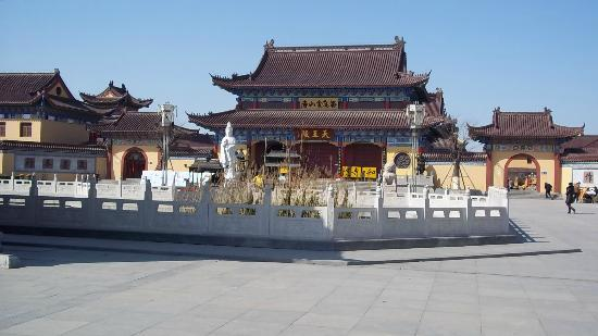 Jinshan Temple: entry 1st phase
