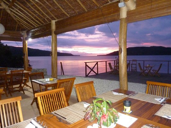 Wahoo Bar and Restaurant: best sunset in vanuatu