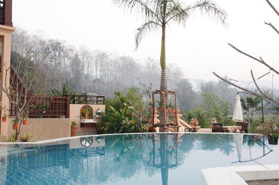 Ang Thong Hotel: Pool