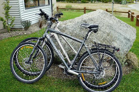 Carrick Lodge Motel: Cycles available for Guests to explore the Cromwell Environment.