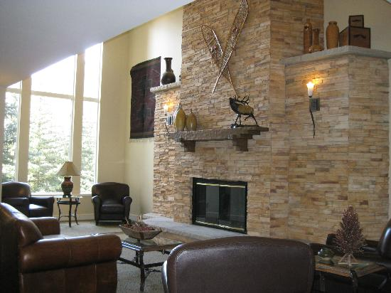 Marriott's StreamSide Evergreen at Vail: Common area in Evergreen building