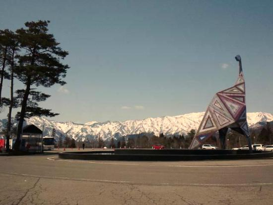 Fukui Dinosaur Museum: 3月末でもまだまだ雪!