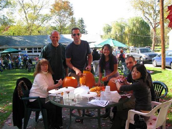 Baumann's Brookside: Fall Pumpkin Carving