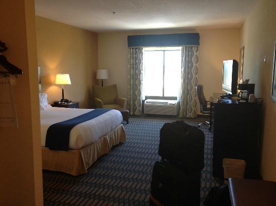 Holiday Inn Express Hotel & Suites Andalusia: The Huge Room