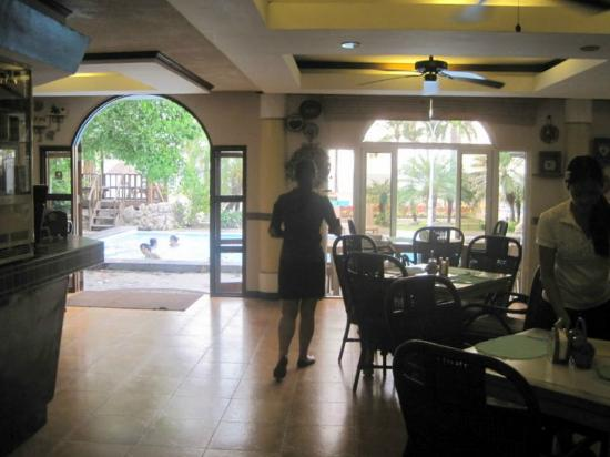 Subic Park Hotel: In-house restaurant