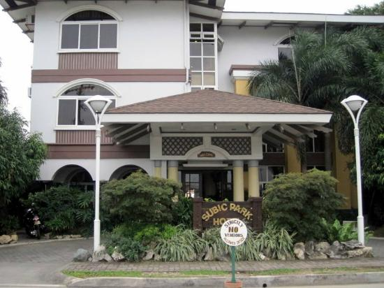 Subic Park Hotel: Hotel lobby