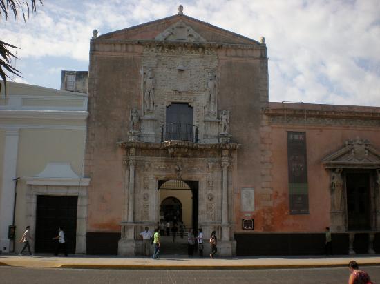 Palacio montejo casa de montejo south side of plaza foto di plaza grande merida tripadvisor - Foto casa merida ...