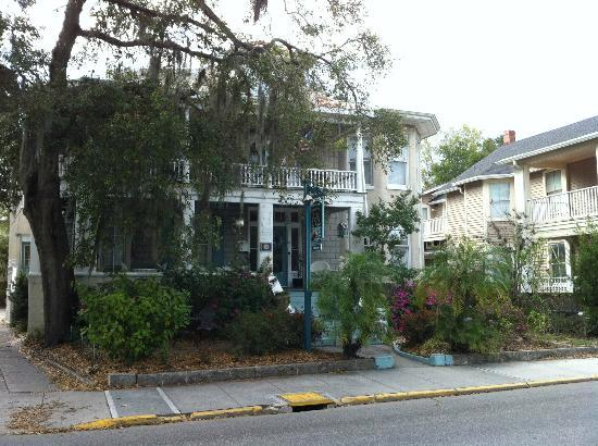 Southern Wind Inn: front of the B&B