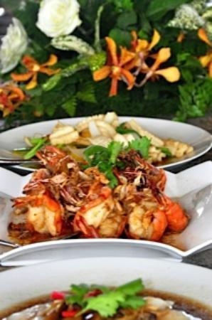 Beyond Resort Khaolak: The Food!