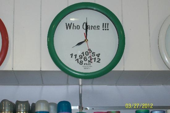 InterContinental Fiji Golf Resort & Spa: Clock that sums up the time in Fiji