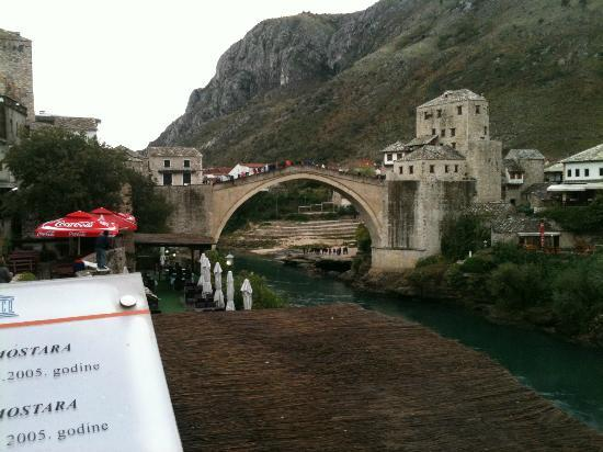 Villa Fortuna B&B: The Mostar most (bridge)