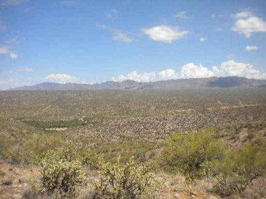 grand panoramic view to the Hassayampa River Canyon Wilderness and the Wickenburg Mountains