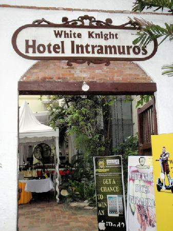 White Knight Hotel Intramuros Review