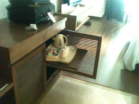 Goldfinch Hotel Bangalore: The hidden kettle tray, obstructing passage