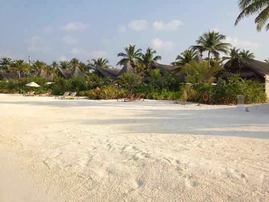 Jumeirah Vittaveli: Strand Sonnenaufgangseite