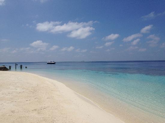 Jumeirah Vittaveli: Strand - Traumhaft schön!!