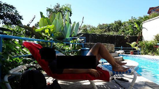 Hotel Villas El Parque: Pool area