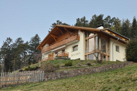Solaria Apartments:                   Вид со стороны