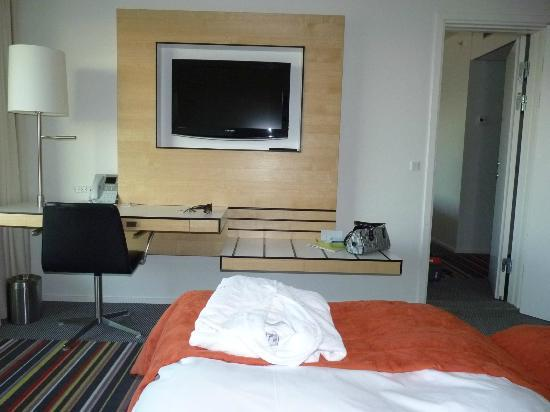 Crowne Plaza Copenhagen Towers: tv