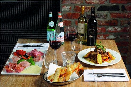 Casa mia outside billede af casa mia ristorante - Mia la casa italiana ...