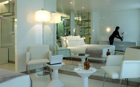 The Mirror Barcelona: Junior Suite