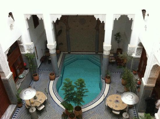 Riad Jamai: vu sur le bassin chauffé